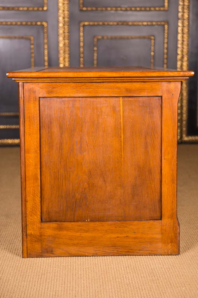 original antique desk um 1900 in the colonial style massive oak ebay. Black Bedroom Furniture Sets. Home Design Ideas