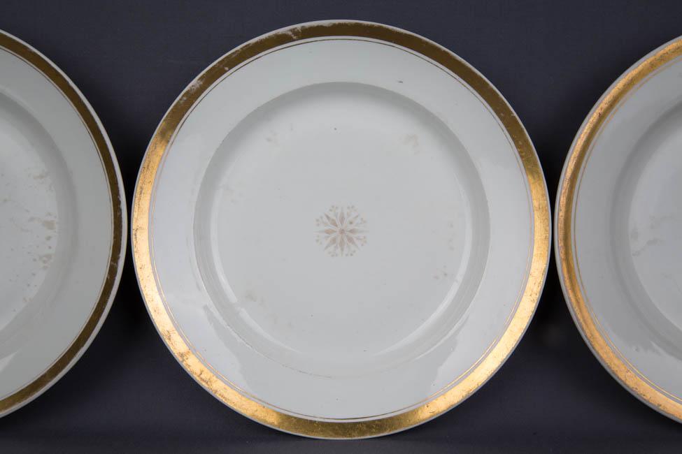 drei sch ne antike f rstenberg teller mit gold 18 jhd ebay. Black Bedroom Furniture Sets. Home Design Ideas
